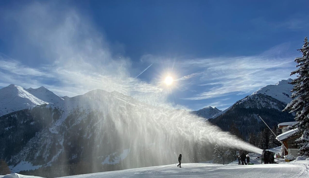 SNOWMAKING SYSTEMS IN OPERATION FROM THE ALPS TO JAPAN